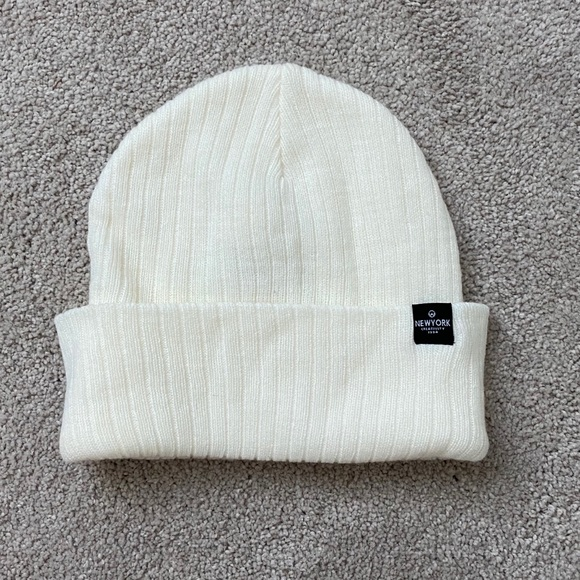 🔹5 for $25🔹 Cotton On White Ribbed Beanie